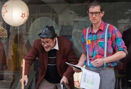 Satirische Stadtführung mit Strohmann-Kauz