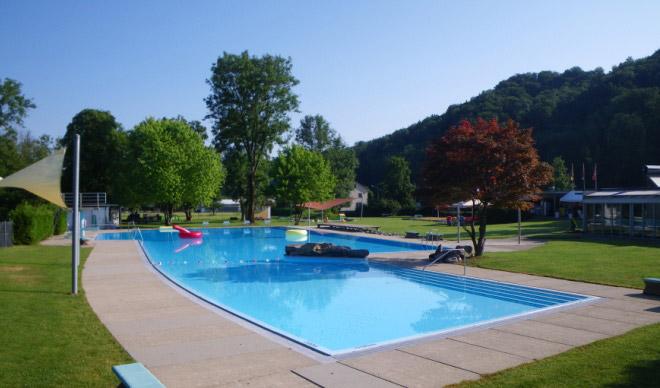 Schwimmbad neuguet z rioberland tourismus for Schwimmbad shop